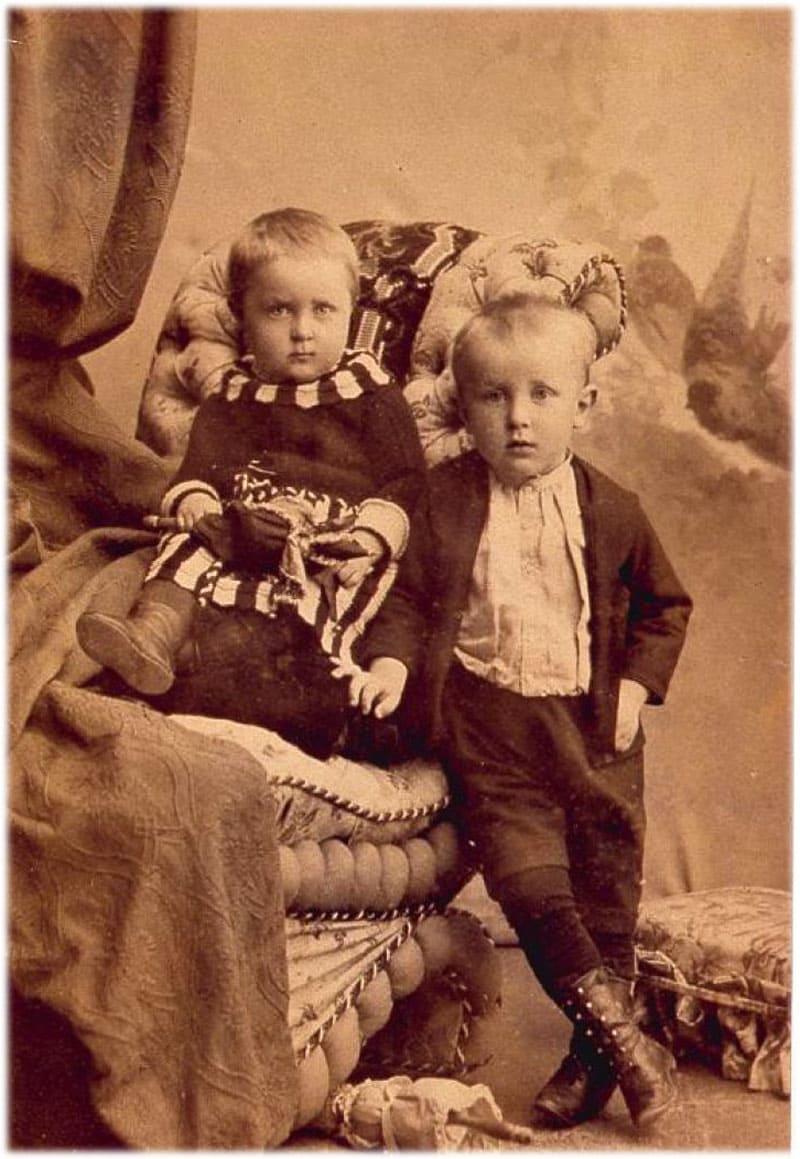 Михаил Булгаков в детстве фото